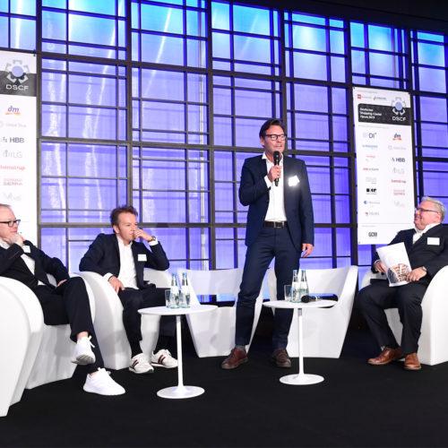 """Panel zum Thema """"Sportanbieter - vom Versorger zum Lifestyleanbieter"""""""