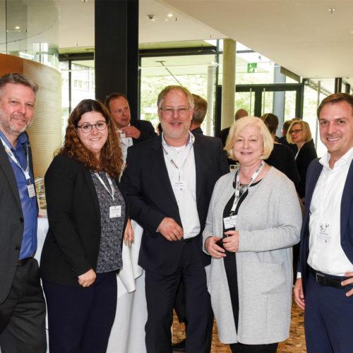 Handel trifft auf Dienstleister: Dierk Bian-Rosa (Globus SB-Warenhaus), Franziska Dettmar und Jörg Hilbert (beide dm Tech), Elisabeth Schröder (Fressnapf), Stefan Pistner (Wordline/SixPayment)