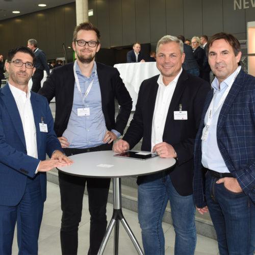 Von Händler zu Dienstleister: Roberto Fedele ( Valora Schweiz), Eike Folkerts (T-Systems), Jens Arne Jänecke (Edeka Jens Jänecke) und Dirk Rumler (T-Systems) - v.l.n.r.