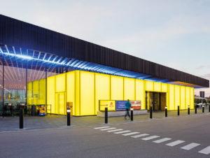 Edeka Gaimersheim: Licht inszeniert das Gebäude