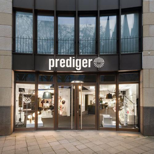 Der Leuchten-Store Prediger in Düsseldorf entstand im Rahmen des General Contracting in 5 Wochen.