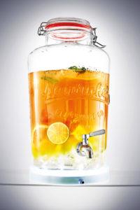 Laut dem Kaffee- und Ausstattungsspezialisten Seeberger lautet der neue Getränke- Trend Tee-Cocktails und Eistee