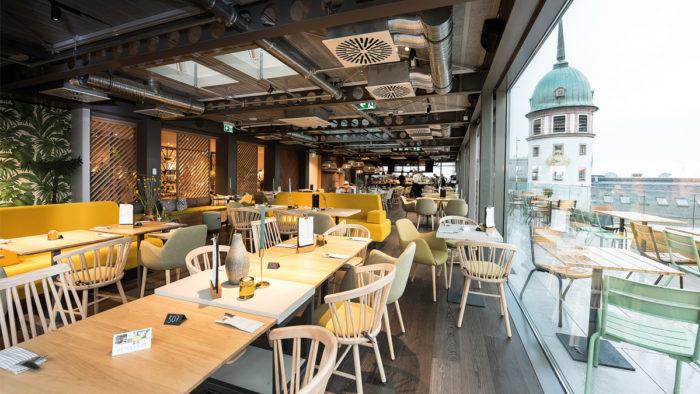 """Neues Rooftop-Panoramarestaurant """"Obendrüber"""" im Modehaus Henschel"""