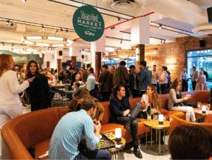 Auch drei Bars gehören zum Gastronomieangebot