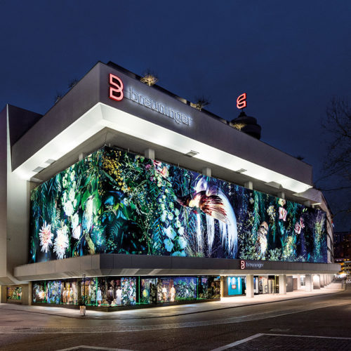 Breuninger-Fassade in der fotokünstlerischen Inszenierung von Michel Comte