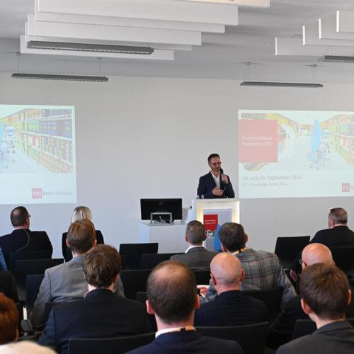 Moderator Uwe Schulz führte durch das Programm