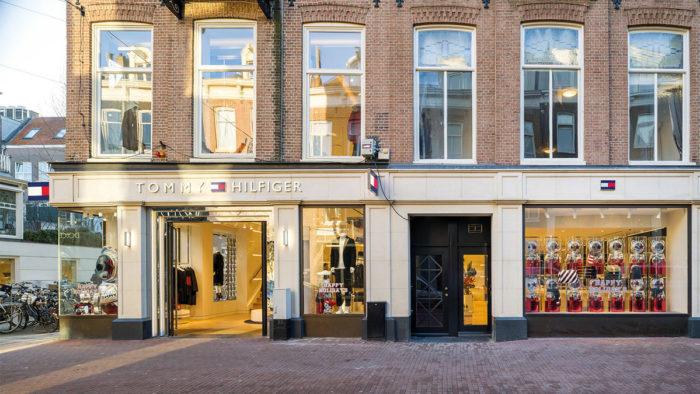 Nach der Schließung des Flagship-Stores in Manhattan will sich Tommy Hilfiger in Zukunft mehr auf kompakte Ladenformate konzentrieren, hier der Store in Amsterdam