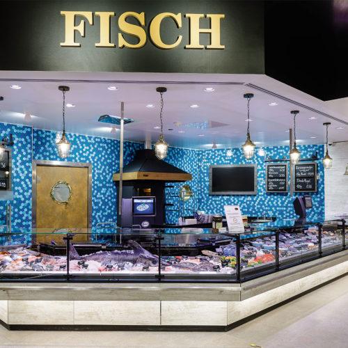 Authentisch: Die Frischfischtheke im maritimen Look