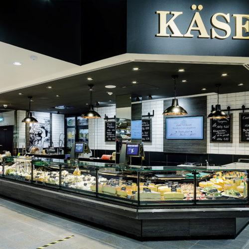 Käse- und Feinkostspezialitäten in Bedienung