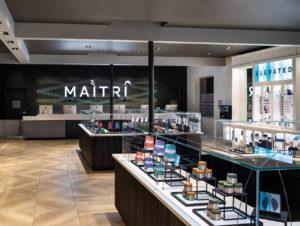 Bei Maitri Medicinals werden die Produkte so edel wie Exponate in einem Museum präsentiert.