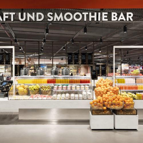 Trendthema Convenience mit frischen Frucht-Snacks, Smoothies und Fruchtsäften, hier bei Edeka Zurheide in Düsseldorf