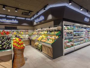 Obst und Gemüseabteilung im Supermercati Decó