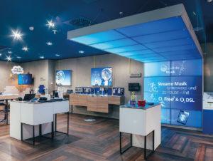 Digital Signage und Videowalls als tragende Säulen des Einkaufserlebnisses bei O² Telefonica