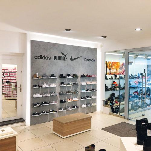 Anwr bietet seinen Mitgliedern eine Sneakerwand an, die mit automatischer Warennachlieferung verknüpft ist