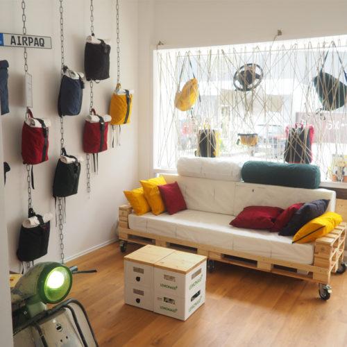 Möbel- und Kissenbezüge aus ausgedienten Airbags