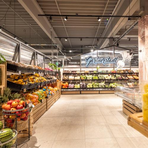 Crossover lautet das Materialkonzept in der Obst- und Gemüseabteilung.