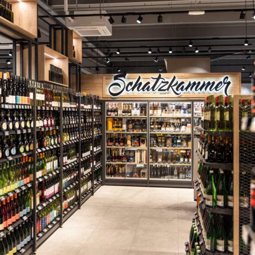 Das Motto der Weinabteilung: Good Food, good wines, good friends, good times