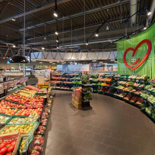 Auch dominant: die Obst- und Gemüseabteilung