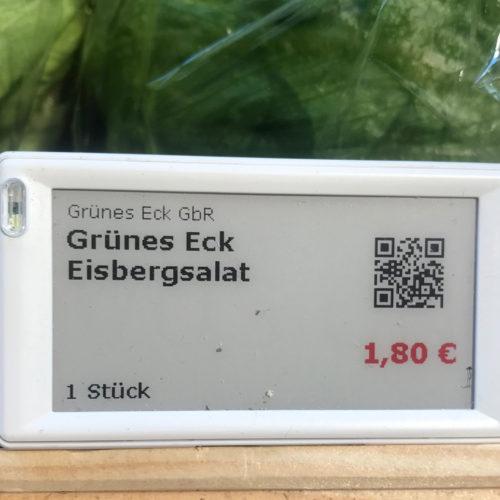 """Bestellt der Kunde via """"Emmas Enkel""""-Smartphone-App, scannt er die QR-Codes bei den frischen Waren."""