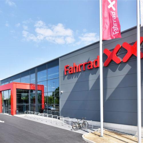 Fassade des Dresdner Stores Fahrrad XXL Emporon