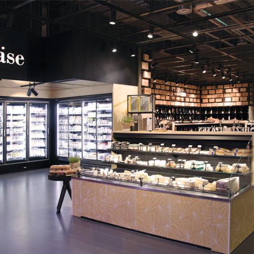 Frischeparadies Zürich: Möbel und Elemente aus Echtholz und Kupfer