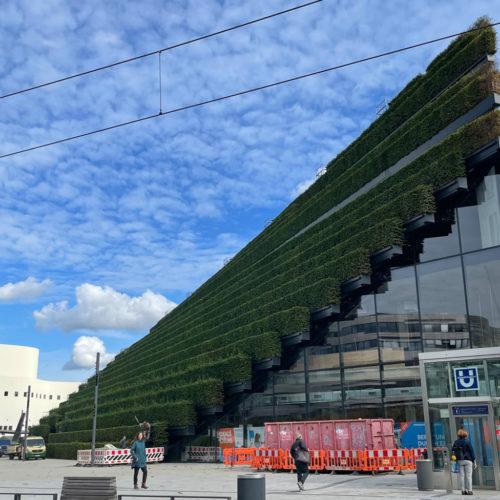 Kö-Bogen II: Europas größte Grünfassade