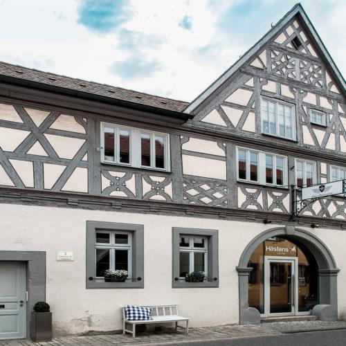 Fassade des 1860 erbauten und komplett renovierten Weinguts