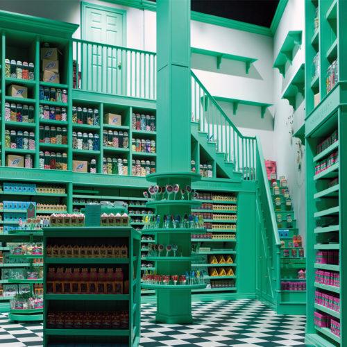Ganz in Grün präsentiert sich Honeyduke's Süßwarenladen