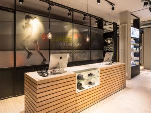 Im Laufladen Lunge sorgen Designbodenbeläge für eine freundliches Ambiente.