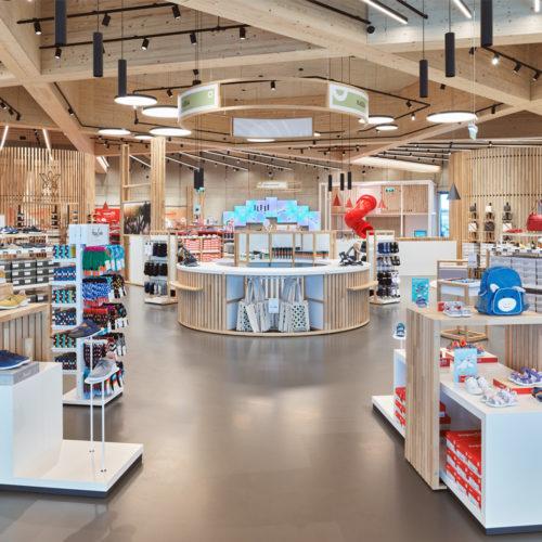 Auf 1.200 qm finden neben den vier Marken von Legero auch Shop-in-Shops weiterer Marken Platz.