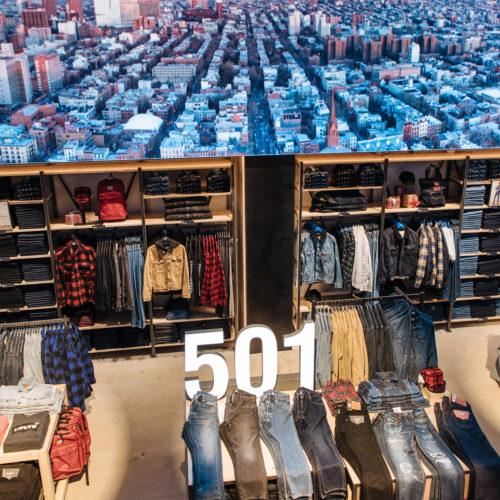 Damit Levi's das Store-Erlebnis auf die Screens weltweiter Onliner-Shopper auf www.levi.com