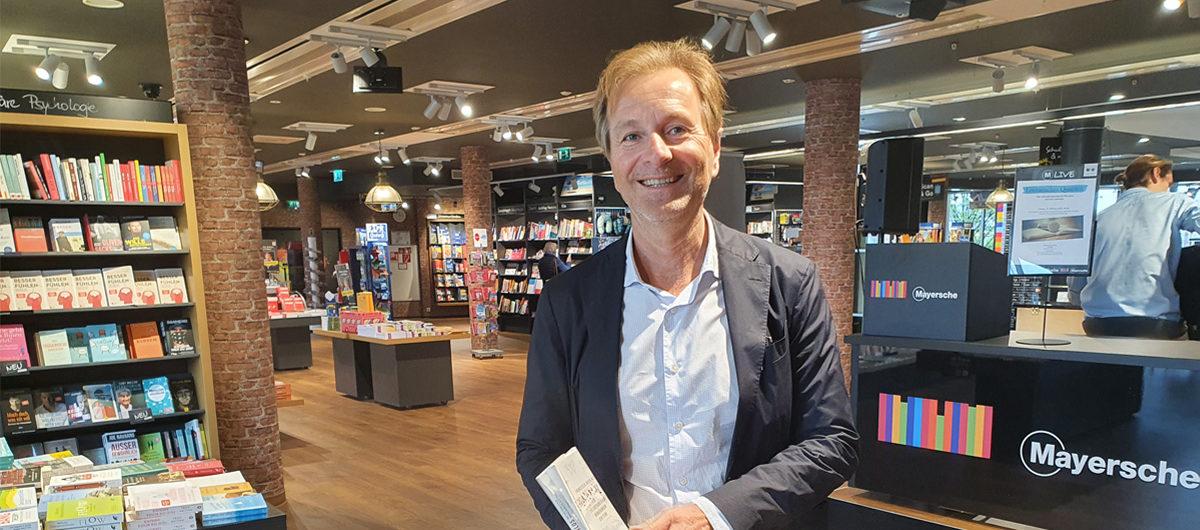 Dr. Hartmut Falter, Chef der Mayerischen Buchhandlung in Aachen, will mit dem umgebauten Stammhaus des Unternehmens Innovationstreiber auch für die Thalia-Gruppe sein.