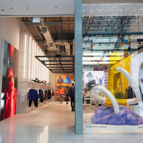 Napapijri in Dubai: Lokale Kunst im Schaufenster