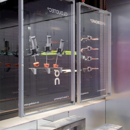 Im Schaufenster erklärt das Unternehmen On seine patentierte CloudTec-Technologie.