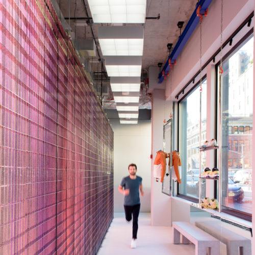 Der Store bietet die Möglichkeit einer biomechanischen Laufanalyse.