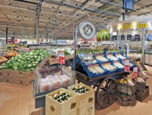 """Auf rd. 4.700 qm präsentiert sich das neue Konzept von Hollands ältester Lebensmittelkette Deka Markt im """"World of Food"""" in Beverwijk."""