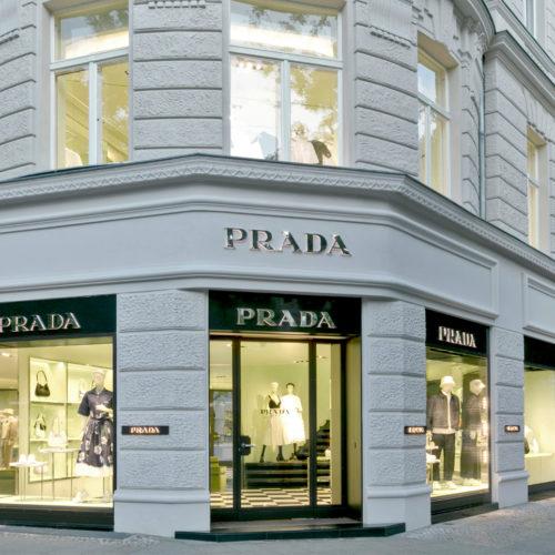 Fassade des Prada Stores in Berlin