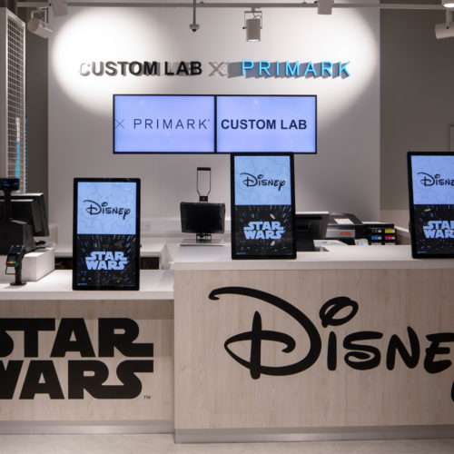 Auch die Kassenzone erinnert an Disney und Star Wars
