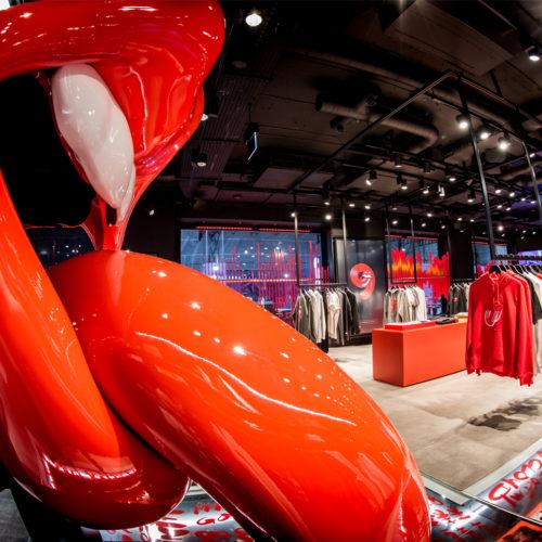 Die rausgestreckte Zunge: das Markenzeichen der Rolling Stones als prägendes Store-Design-Element.