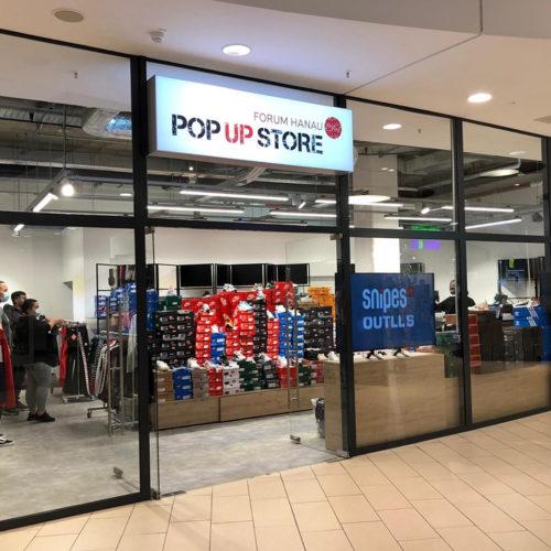 Während der eigene Store umgebaut wurde, nutzte Snipes eine leerstehende Fläche im Forum Hanau als Pop-up, um die Verkauf fortsetzen zu können.
