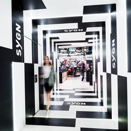 Schwarz und Weiß prägen das Store-Design
