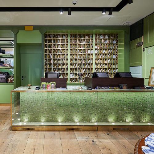 Der Store ist ist dem legendären Hamburger Streit's Hotel nachempfunden.