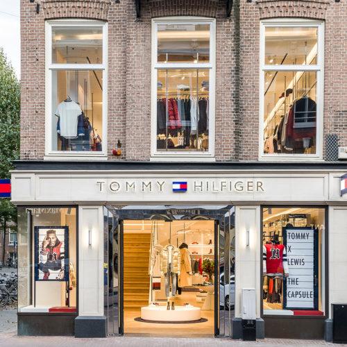 """Der Tommy Hilfiger """"Premium Concept Store"""" in der Hoofstraat in Amsterdam."""