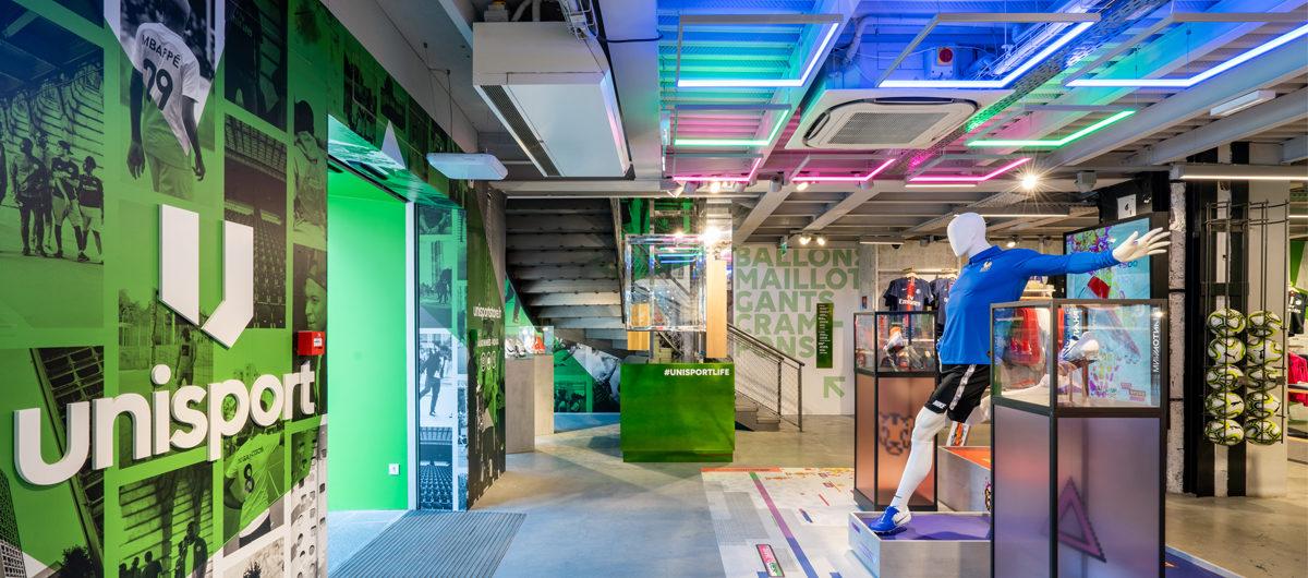 Verkaufsraum auf der ersten Ebene des Flagship-Stores in Paris