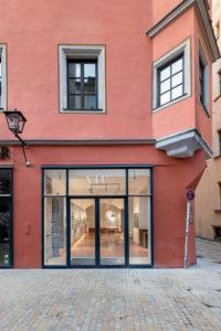 Das Store-Design ist an die Fassade angelehnt.