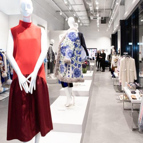 Modulares Store-Design ganz in Weiß