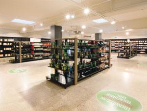 Das sachliche Interieur des Test-Supermarktes