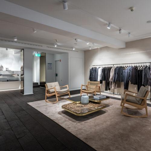 Lounge-Bereiche mit Designer-Möbeln