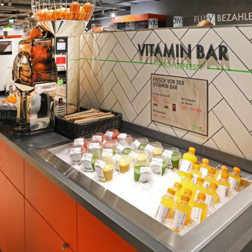 ...frisch gepresste Säfte an der Vitamin-Bar...