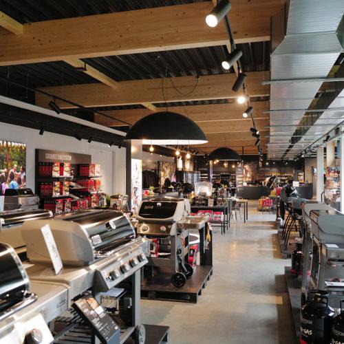 Im Showroom werden 75 Grills der Marke Weber ausgestellt.